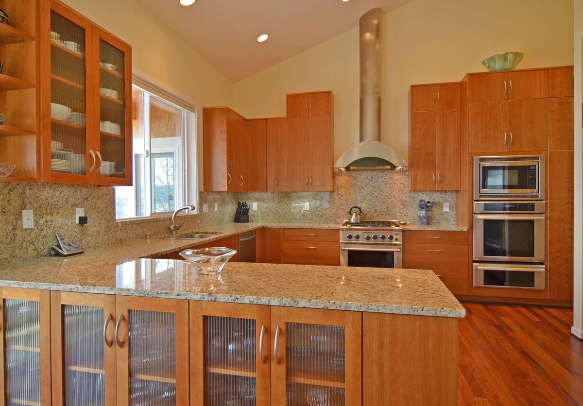 peninsula-kitchen